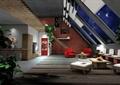 住宅空间,玻璃屋顶,桌椅,沙发,天花吊顶,花瓶插花,地面铺装,砖砌墙体