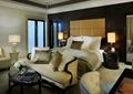 客房,床,沙发,茶几,地面铺装,台灯,床头柜,背景墙
