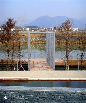欧式风格小区景观实景-木板铺装灯柱栏杆树池-设计师