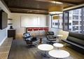 沙发,转椅,茶几,木地板,坐凳,吊灯,休息室