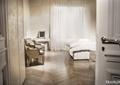 按摩床,木地板,沙发,窗帘