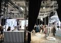售賣亭,服裝店展廳,展廳,展示臺,衣服架