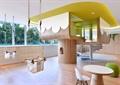 秋千,桌椅组合,木地板,幼儿园