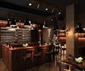 吧台,酒柜,吊灯,吧台椅,装饰柱,地面铺装,酒吧