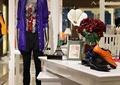 模特,展示桌,装饰摆件,花瓶插花,服装店