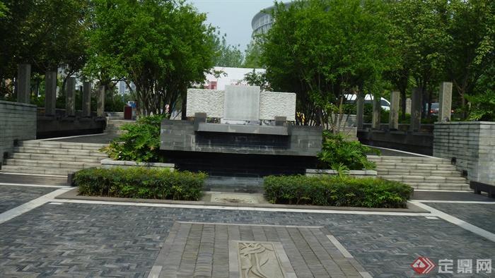 住宅景观地面铺装设计图-地面铺装水池种植池常绿乔木