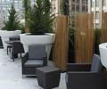 藤编椅子,花钵,地面铺装,屋顶花园,庭院景观