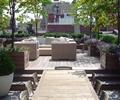 木质桌椅,花钵,沙发,花池,花卉植物,落叶乔木,露台花园,庭院景观