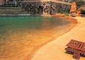 水池景观,沙滩,驳岸,躺椅,景石,阳伞,住宅景观