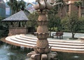 喷泉水池景观,雕塑喷泉,台阶,地面铺装,桌椅,树池,景观树,亭子,住宅景观