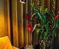 花瓶插花,台灯,窗帘,窗帘布艺,桌子