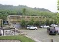 停車場,汽車,嵌草磚,欄桿,地面鋪裝,草坪,景觀樹,住宅建筑,度假村景觀