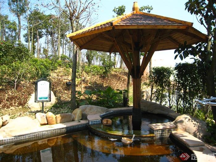 深圳东部华侨城温泉景观实景图-伞亭水池自然石路标牌