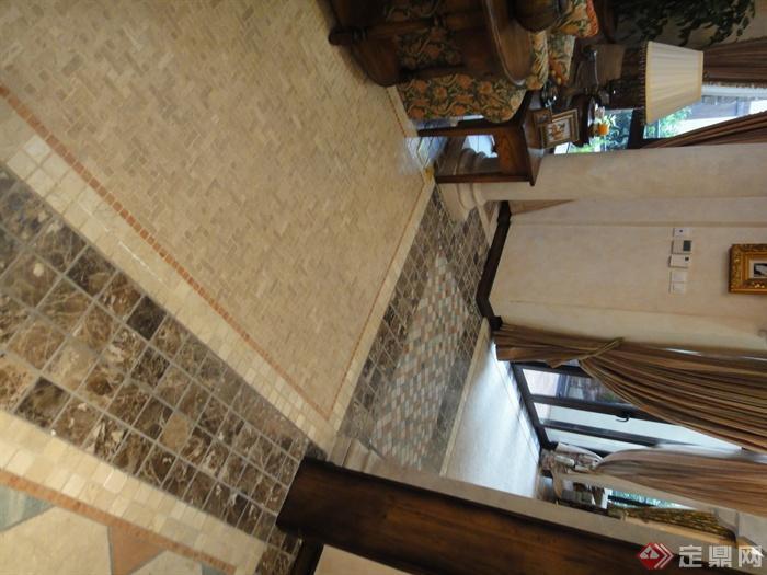 地面铺装,地面拼花,灯具,沙发