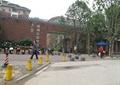 围栏杆,柱子,树池,小区大门,门卫室,门廊