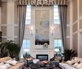 桌子,沙發,地毯,背景墻,壁燈,盆栽植物,客廳