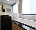 卫生间,浴缸,储物柜,窗户