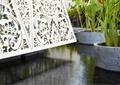 酒店水池景观,木质雕花墙
