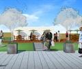 屋顶花园,人行道铺装,花钵,木栈道,遮阳伞坐凳组合
