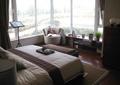 卧室,床,床榻,地毯,沙发,矮柜,玻璃