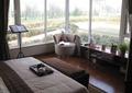 卧室,床,茶具,床榻,沙发,矮柜,玻璃窗,窗帘