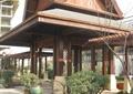 亭廊组合,木亭,廊亭柱,花钵,陶罐,绿化带,水池景观