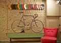 商店设计,商店展示,展示台,墙面石材,沙发椅,单车