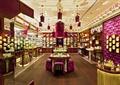商店设计,商店展示,展示柜,展示架,墙面软包,吊灯