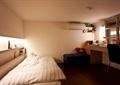 卧室,床,桌椅,沙发凳
