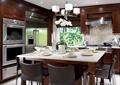 餐厅,餐桌椅,餐具,吊灯,厨房设施
