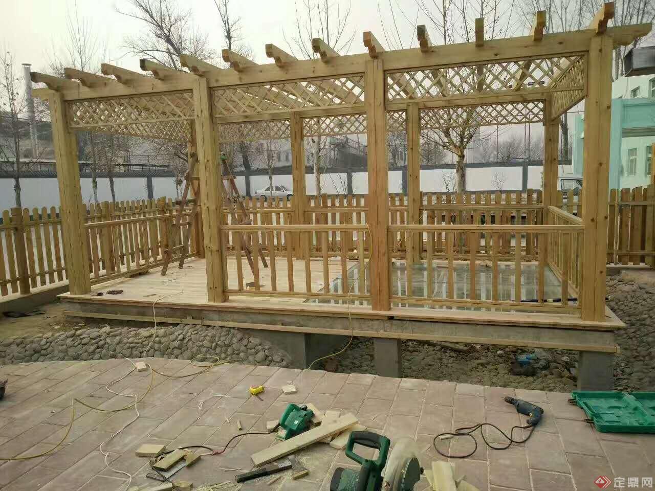 庭院绿化制作栅栏,防护栏,围栏,栏杆,木地板等!