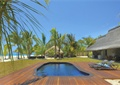 木平台,泳池,躺椅,草坪,酒店景观