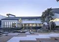 地面铺装,矮墙,常绿乔木,卵石水池,台阶,庭院景观,古建筑