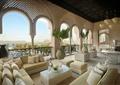 沙發,茶幾,植物盆景,鐵藝欄桿,酒店空間