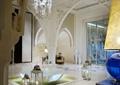 水晶吊灯,景观水池,地面铺装,地灯,装饰墙