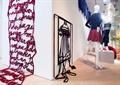 形象墙,墙体装饰,模特,衣服,地面铺装,艺术馆