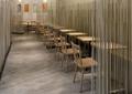 餐桌椅,隔断钢柱,吊灯,地面铺装,快餐厅