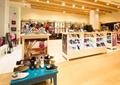 鞋店,鞋店展廳,室內空間,鞋架,鞋包店,空間布置,空間構成
