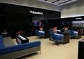 办公桌椅,沙发,转角沙发,茶几,木地板,办公空间