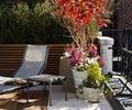 花钵,休闲椅,花卉植物,铁艺栏杆,露台花园,庭院景观