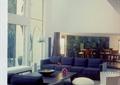 客廳室內裝飾,沙發茶幾,地面鋪裝,玻璃櫥窗