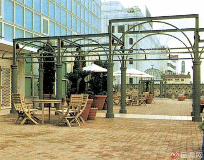 铁艺廊架,地面铺装,桌椅,颜色