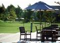 桌椅组合,草坪景观,遮阳伞