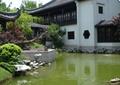 古建筑,水池景观,景石,草坪,景观树,庭院灯