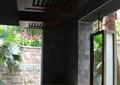 洗手台,天花吊顶,窗子,洗手液,地面铺装