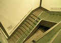 折疊樓梯,玻璃欄桿