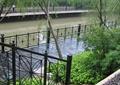 驳岸景观,驳岸栏杆,木平台,铁艺栏杆,台阶