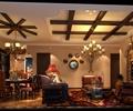 客厅,餐厅,餐桌椅,吊灯,电视墙,沙发,茶几