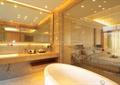 卫生间,浴缸,洗手台,镜子