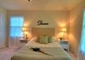 次臥,次臥室,床,床頭柜,臺燈